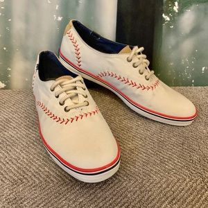 Women Cubs Shoes on Poshmark